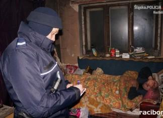 Policja Racibórz: Sprawdzali pustostany i oferowali pomoc bezdomnym