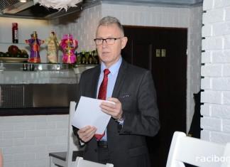 Mirosław Lenk prezentuje możliowości dotacji ekologicznych