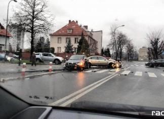 Wypadek w Raciborzu na skrzyżowaniu Ogrodowej Słowackiego i Karola Miarki
