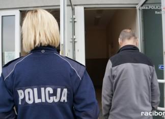 Policja Racibórz: Mężczyzna zatrzymany za kradzież rynien