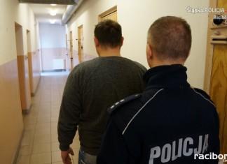Policja Racibórz: Mężczyzna zatrzymany za kradzież i jazdę bez uprawnień