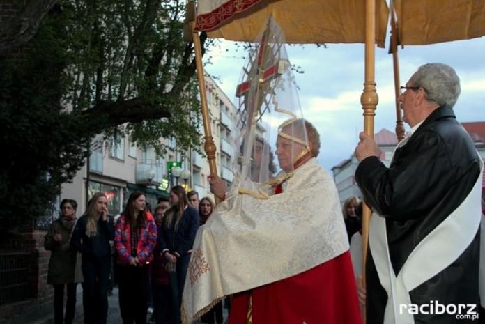 Uroczystości Wielkiego Piątku w kościele farnym