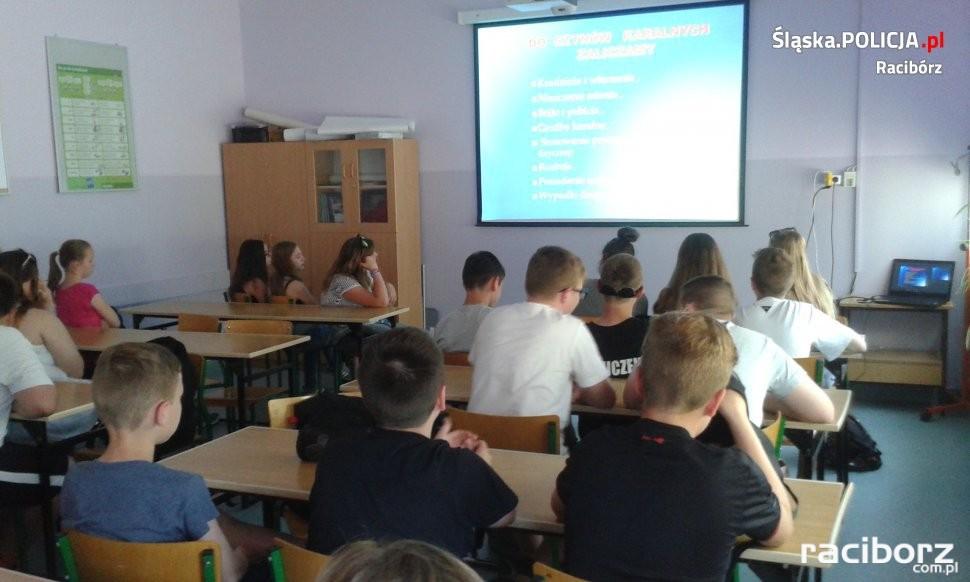 Policja Racibórz: Z uczniami gimnazjum porozmawiano o narkotykach