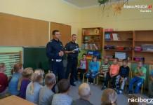 Policja Racibórz: Policjanci odwiedzają szkoły
