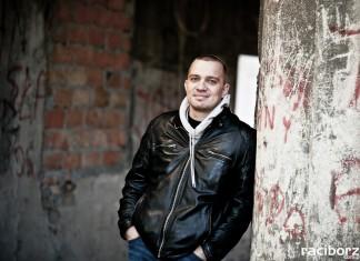 """Laureat Paszportu """"Polityki"""" – Łukasz Orbitowski będzie gościem biblioteki"""