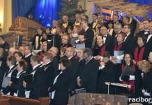 Raciborzanie śpiewają Gaude Mater Polonia