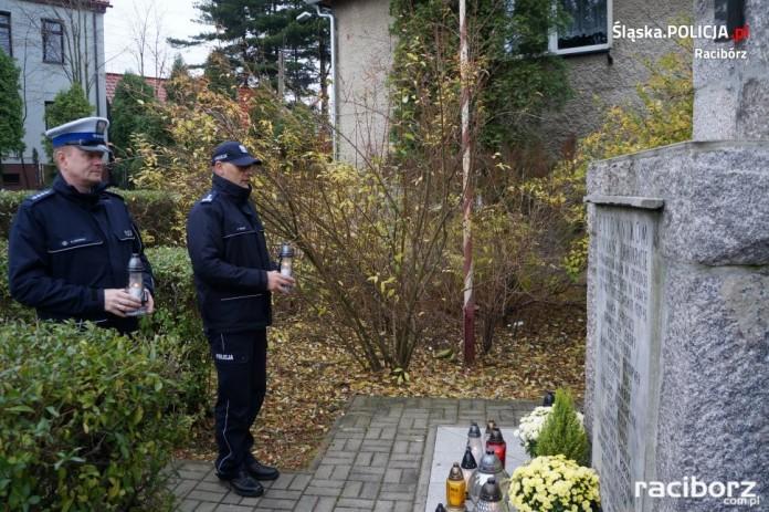 Racibórz: Oddali hołd policjantom zamordowanym w Ostaszkowie