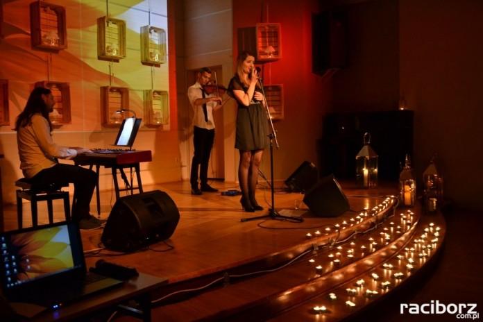 Muzyczny wieczór przy świecach w Centrum Kultury Tworków