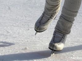 lyzwy lodowisko zima ferie