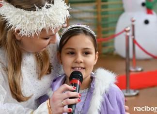 Dzieci pracowników Eko-Okien odwiedził Mikołaj