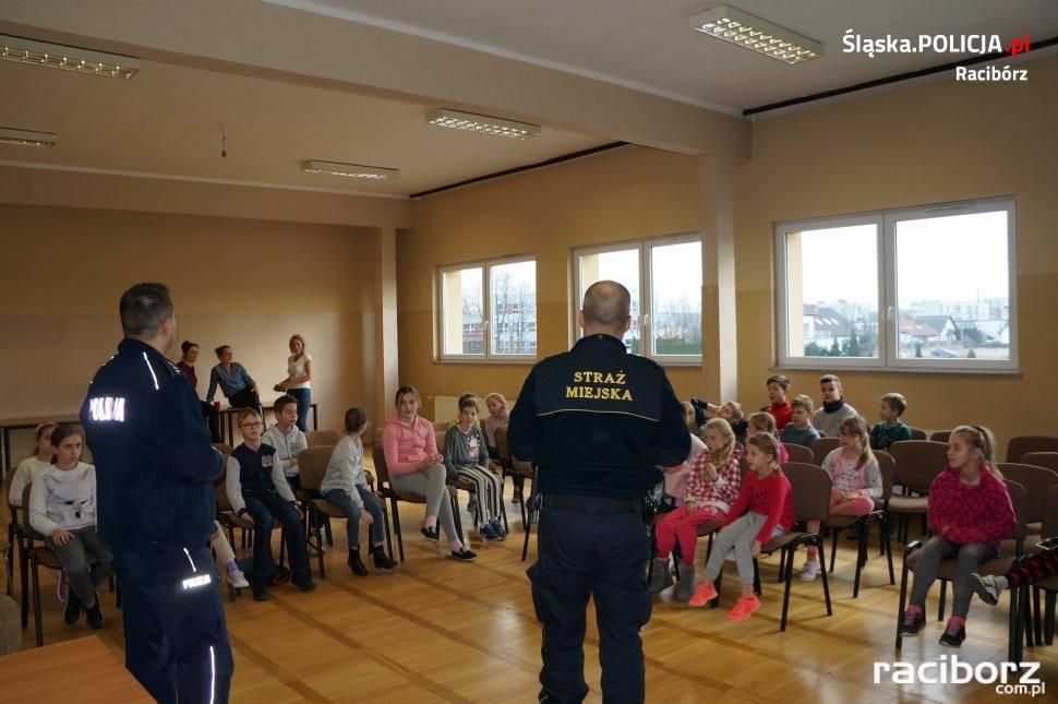 Raciborscy policjanci z wizytą w Klubie Osiedlowym M-5