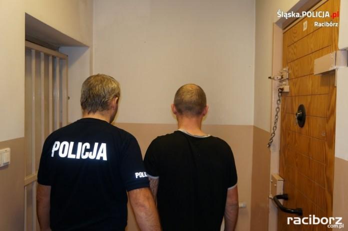 Policja Racibórz: W sylwestrową noc trafił do aresztu