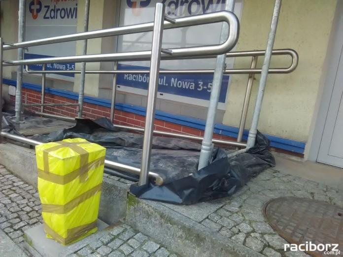 List do redakcji: Rusztowania blokują podjazd dla niepełnosprawnych