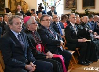 Arcybiskup Wiktor Skworc udał się do Watykanu
