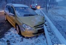 Kompletne pijany kierowca peugeota wypadł z drogi. Raciborzanin miał 4 promile we krwi