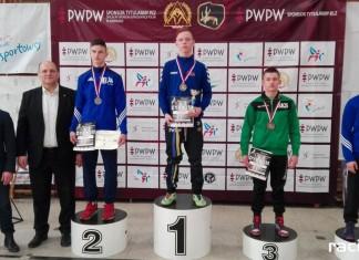Zapaśnicy ZSOMS z medalami Pucharu Polski
