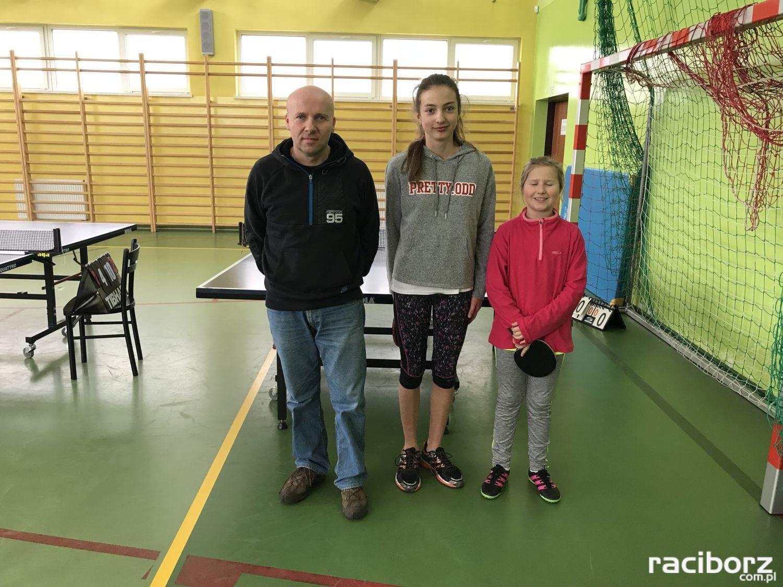 Pawłów: Uczniowie z Nędzy na podium turnieju tenisa stołowego
