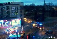 wypadek na rondzie w Raciborzu