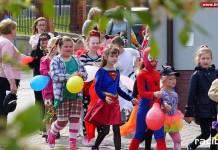 Parada Bajkowych Postaci w Brzeziu