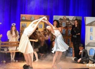 Przegląd Teatralny zorganizowany w ramach XI edycji Powiatowego Festiwalu Twórczości Artystycznej