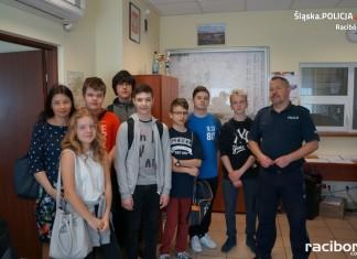 Racibórz: Uczniowie SP 4 z wizytą w komendzie policji