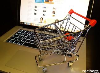Policja ostrzega: Kupujesz przez internet - uważaj na oszustów