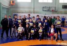 Grad medali zapaśników Unii Racibórz na zawodach w Mysłowicach