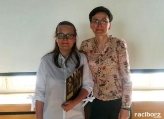Karolina z Nędzy najlepsza w powiecie z języka angielskiego