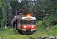 Pociąg Kolei Śląskich relacji Racibórz – Katowice w Rydułtowach