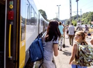 Koleje Śląskie na weekend wzmacniają kursy w Beskidy