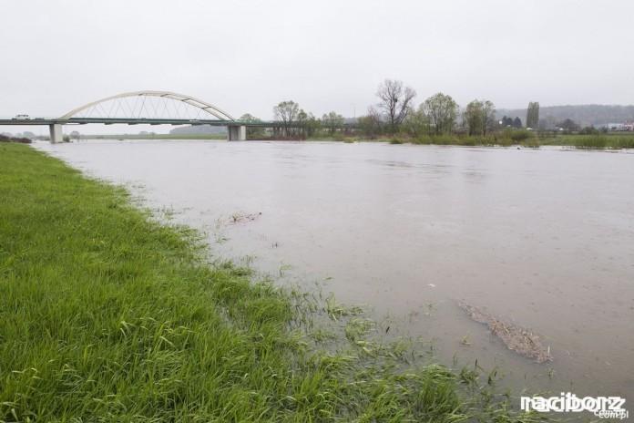 Rzeka Odra. Synoptycy ostrzegają przed wezbraniem z przekroczeniem stanów ostrzegawczych