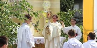 Boże Ciało w parafii św. Jadwigi w Raciborzu-Markowicach