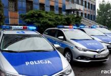 uroczyste przekazanie 43 nowych radiowozów z napędem hybrydowym KW Policji w Katowicach