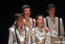 """Teatr Tetraedr """"Blaszany bębenek"""""""
