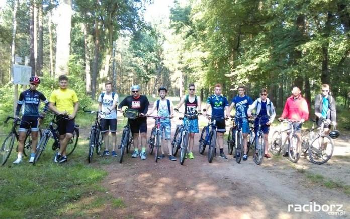 Uczniowie z Kuźni Raciborskiej w rowerowej podróży