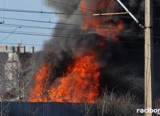 Racibórz: Pożar w skupie złomu przy Eichendorffa
