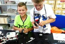 Walki robotów na finał warsztatów robotyki i programowania Lego w raciborskiej bibliotece