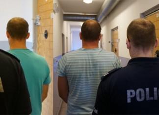 zatrzymano złodziei kół naczepy ciągnikowej w Szonowicach Racibórz Policja