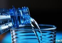Woda mineralna wycofywana ze sprzedaży. Wykryto w niej bakterie coli i paciorkowce