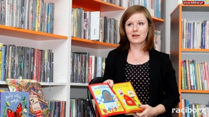 Przegląd książek dla dzieci w Klubie Rodzica na Ostrogu