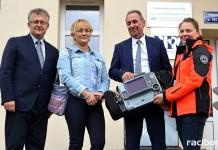 Nowy defibrylator dla ambulansu pogotowia w Krzyżanowicach