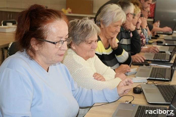 Kurs dla seniorów Krzyżanowice komputery