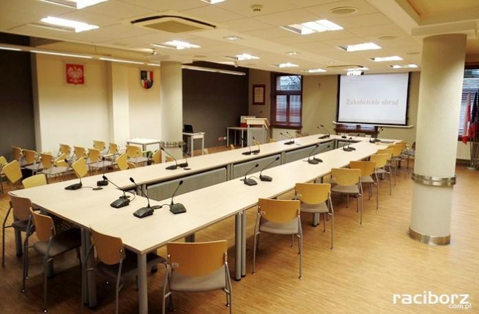 Sala obrad rady powiatu raciborskiego