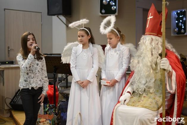 Kiermasz bożonarodzeniowy w Tworkowie