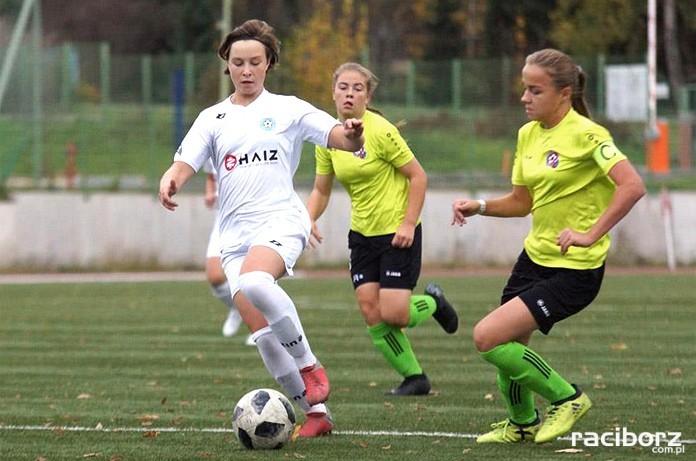 Nicole Jendrzejczyk (z lewej). Fot. ŚlZPN