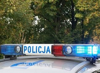 Wypadek w gminie Nędza. Dachowanie polo