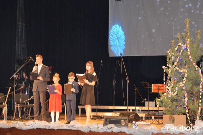 Koncert Świąteczny SP 4 i LO 1