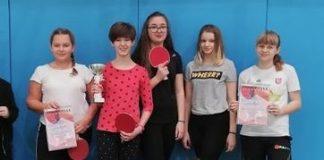 Dziewczyny z Osiemnastki najlepsze w tenisie stołowym