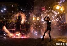 WOSP racibórz pokaz tanca z ogniem na rynku
