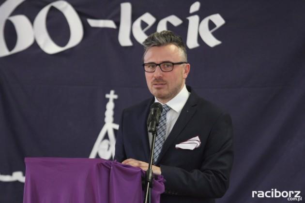Święto Patrona w ZSE. Na zdjęciu dyrektor szkoły Paweł Ptak